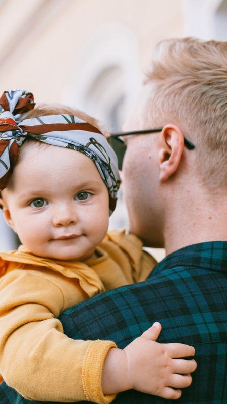 Cute Father Daughter Wallpaper