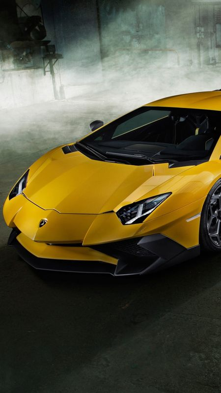 Yellow Lamborghini Sports Wallpaper
