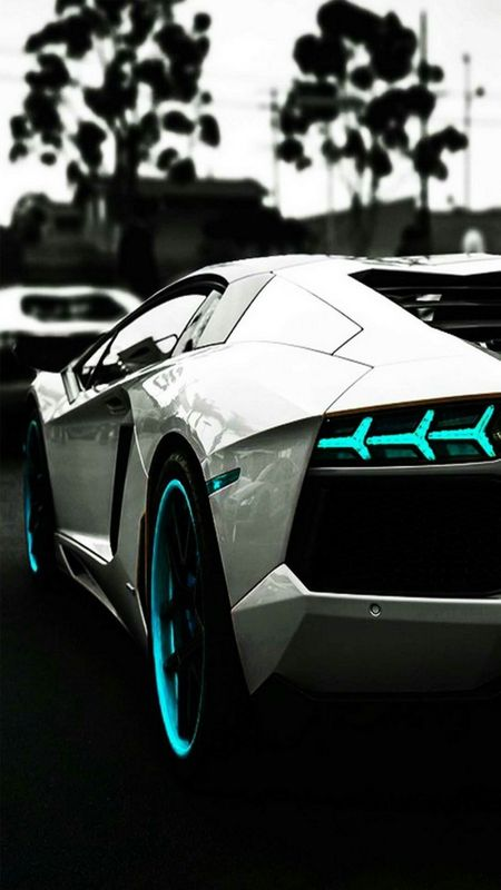 Cool Sports car Wallpaper